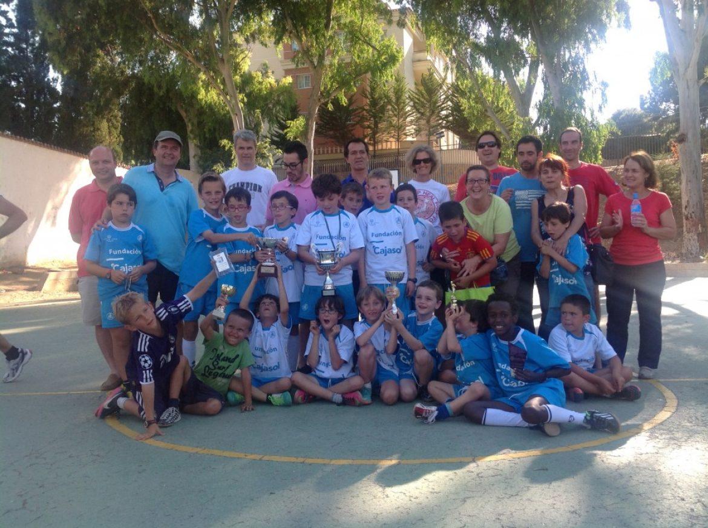 El equipo de fútbol de Parque Clavero con sus Victorias